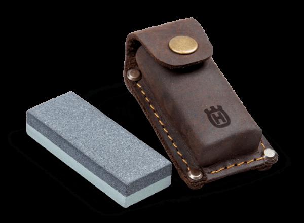 Brúsny kameň Ručne kované sekery s dreveným poriskom